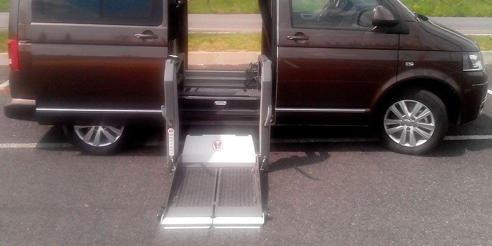 SERIE BBV: Sollevatori doppio braccio con piattaforma scomponibile in verticale.